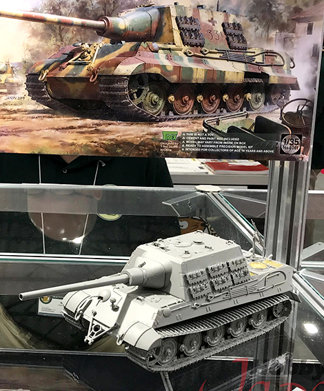 1/35 Blitz Series Jagdtiger Sd.Kfz.186 Early/Late Production, 2 in 1